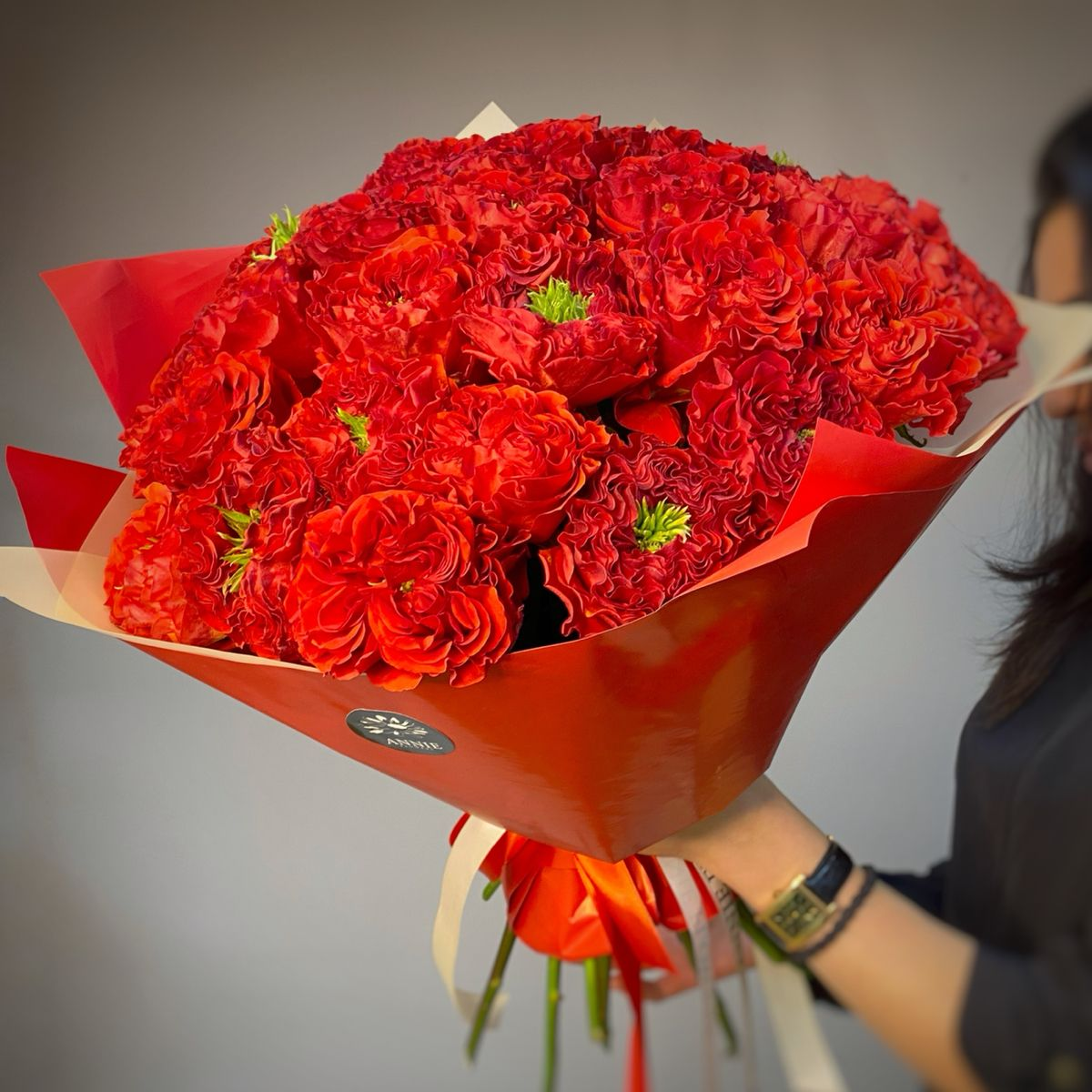 Роза пионовидная Ред Ай